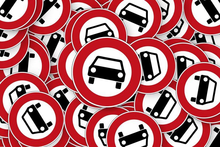 Verbotsschilder%20Auto